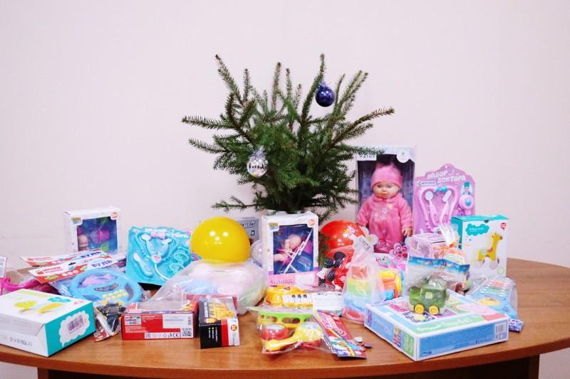 Тверские полицейские пришли с подарками в детский дом