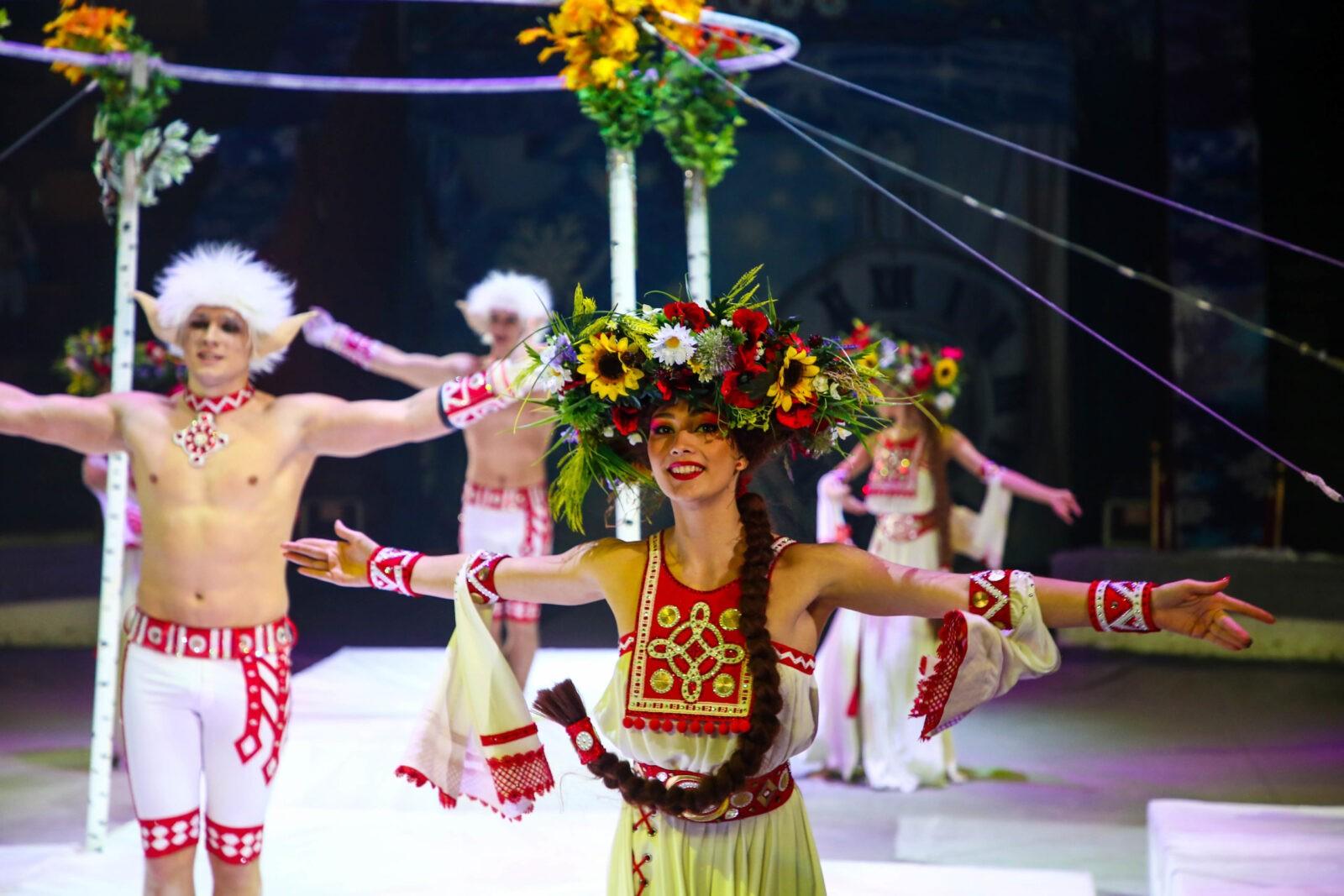 """В Тверском цирке происходят """"Новогодние приключения Принцессы"""" ФОТО"""