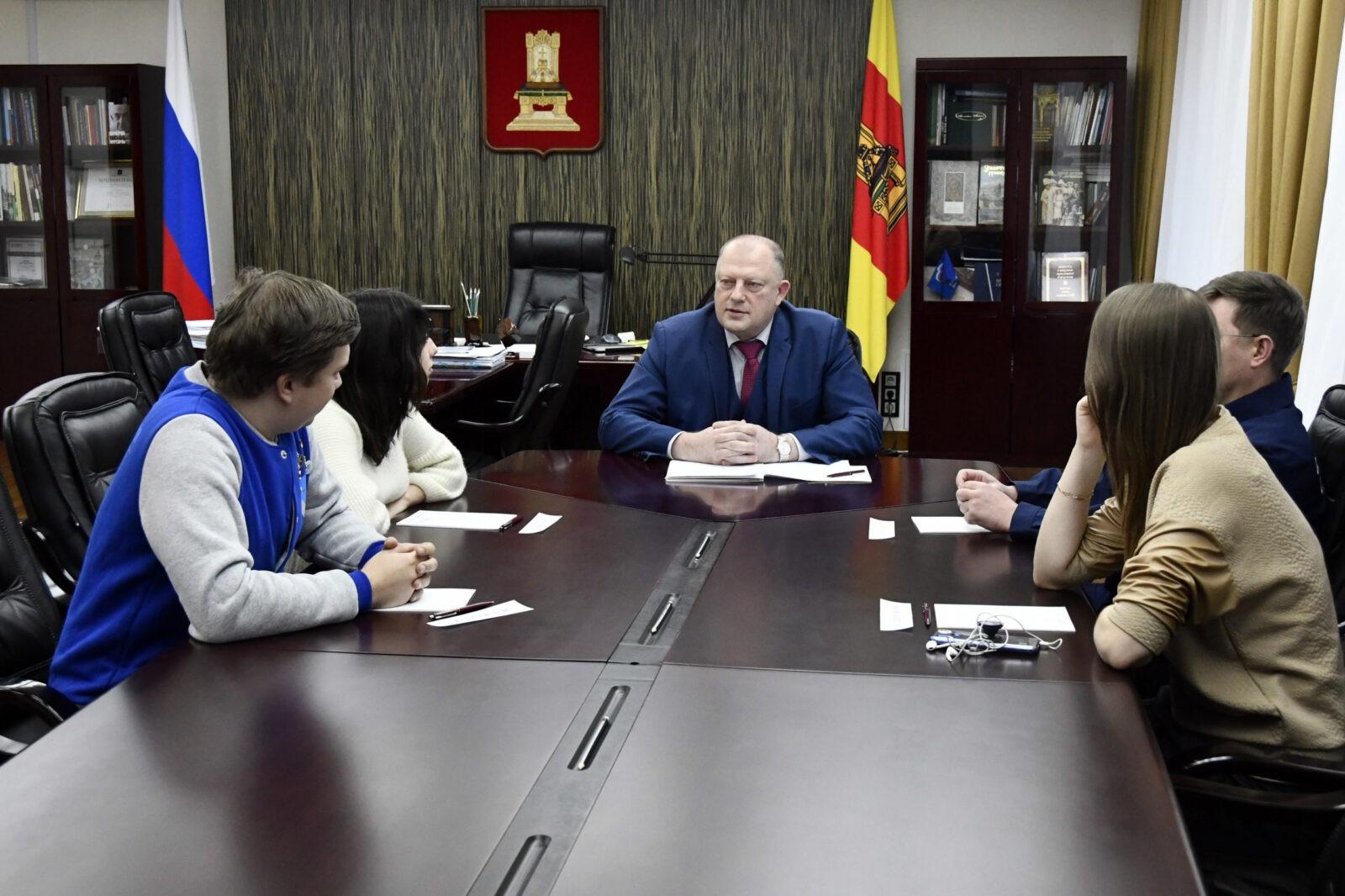 Спикер ЗС Тверской области встретился с руководителями волонтерских организаций региона