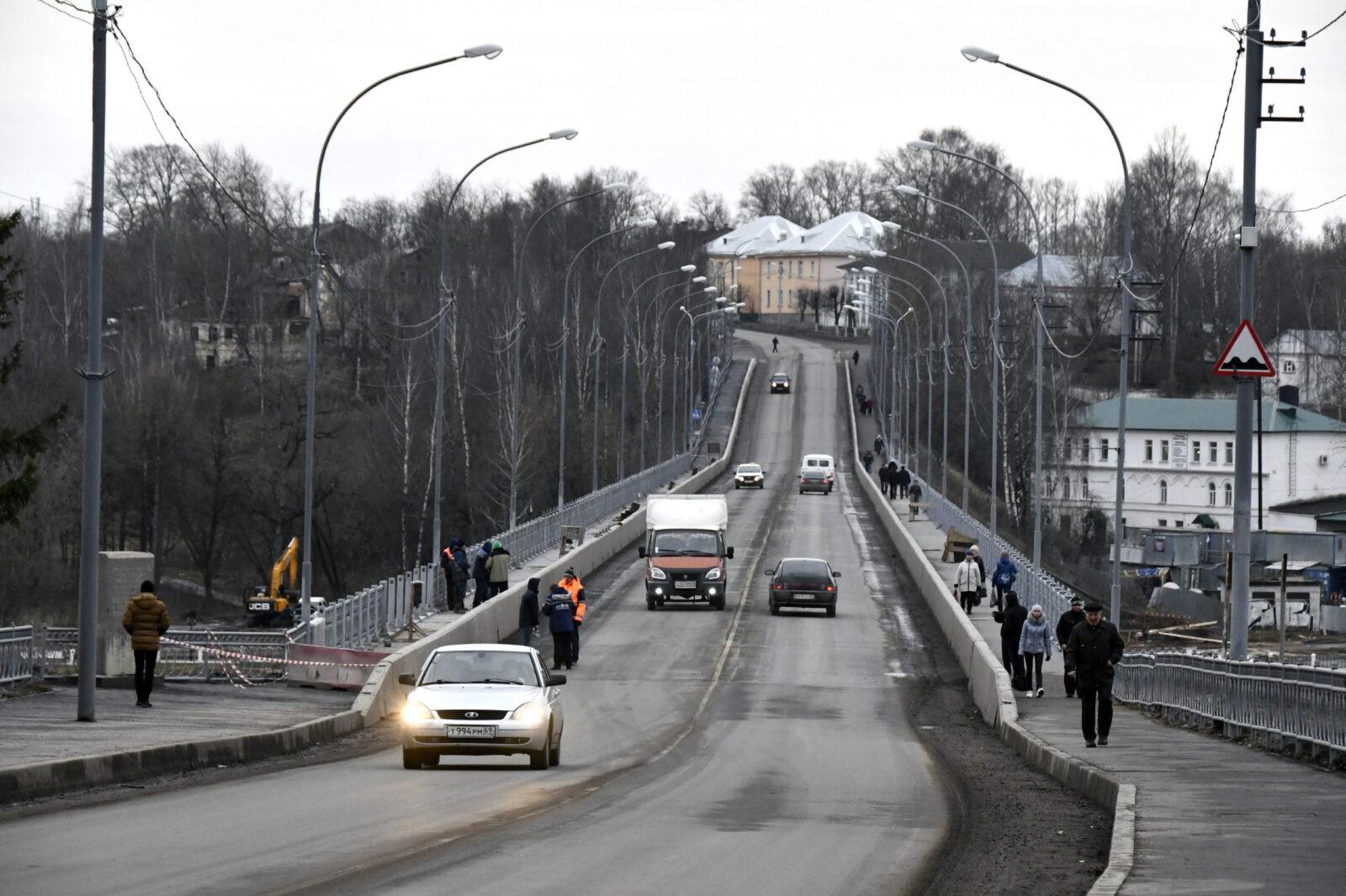 В Старице завершается ремонт моста и готовится к открытию новый детский сад