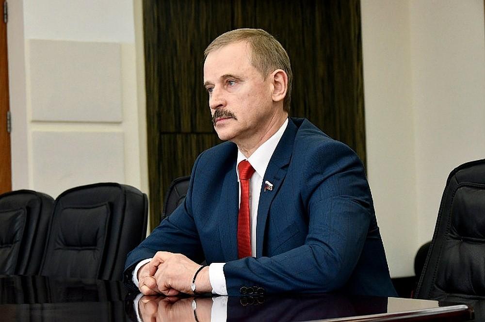 Сергей Веремеенко поздравил жителей Тверской области с новогодними праздниками