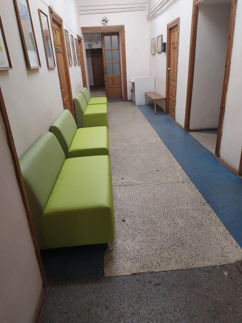 Новые диваны поставили в поликлинике в Тверской области