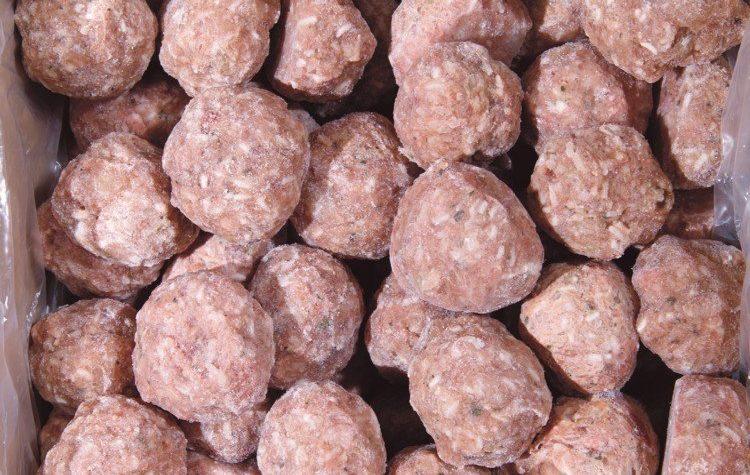 Торжокский предприниматель продавал мясные полуфабрикаты без документов