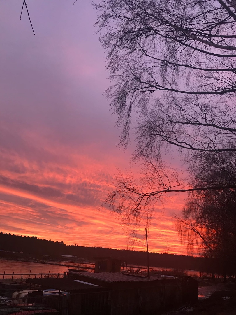 В Тверской области был очень красивый закат