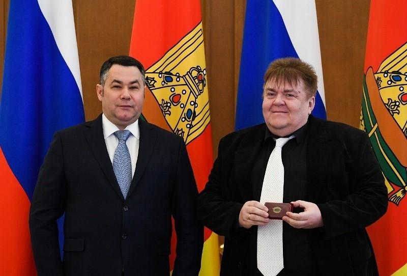Игорь руденя наградил почётного гражданина Сандовского района