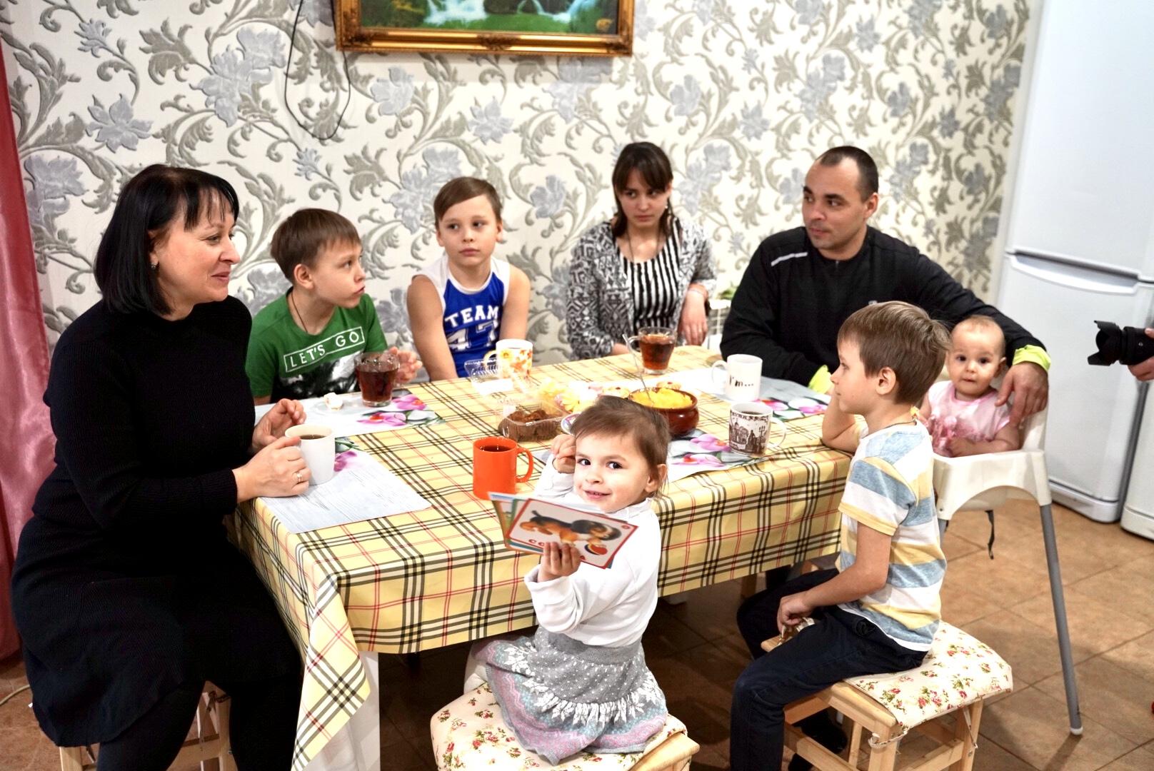 Екатерина Молчанова: Многодетные семьи Тверской области имеют достойный социальный пакет