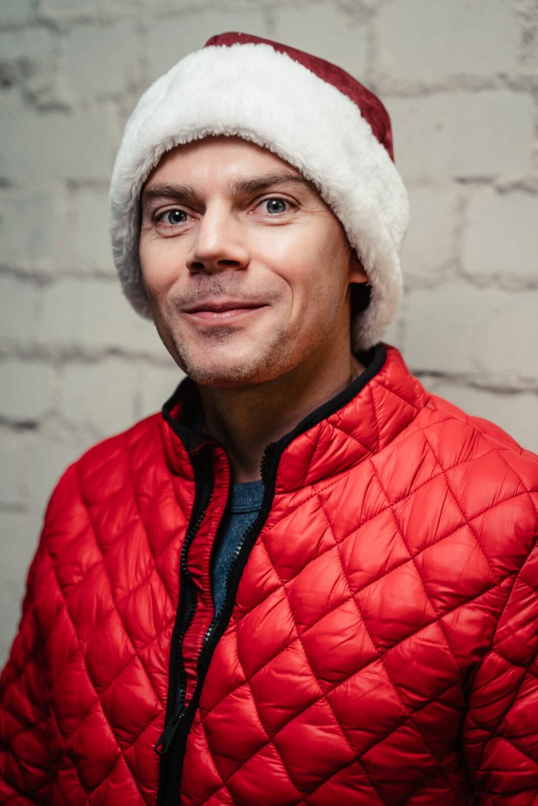 На обложке новогоднего номера «Тверьлайф» — главный путешественник Твери Алексей Корзин