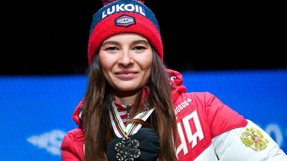 Игорь Руденя поздравил тверскую спортсменку Наталью Непряеву с золотом этапа Кубка мира