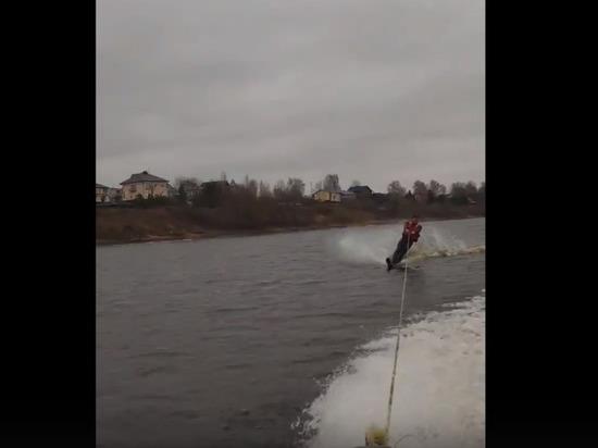 Зимой жители Твери катаются на водных лыжах