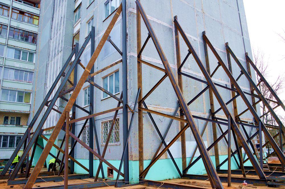 Жильцов тверской многоэтажки, пострадавшей от хлопка газа, временно переселили в «Чайку»