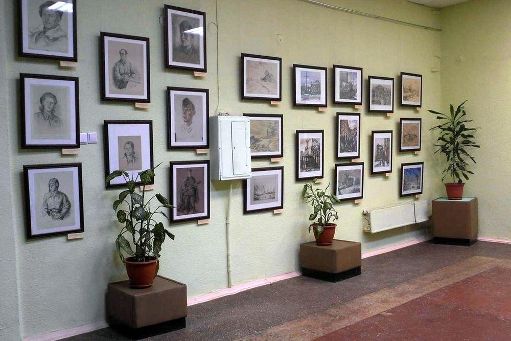 В Вышнем Волочке открылась выставка фронтовых художников