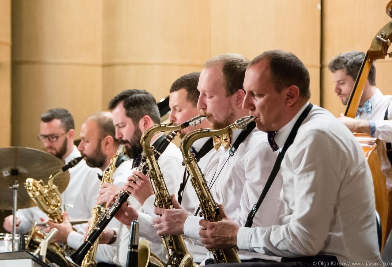 Большой Джазовый Оркестр из Москвы сыграет в Твери рождественские и новогодниемелодии
