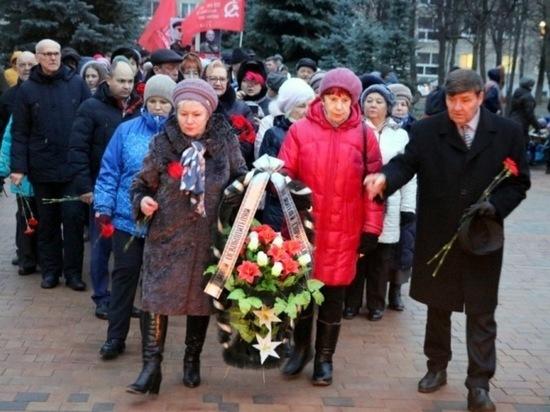 Старицкие ветераны почтили память воинов, освободивших Лотошинский район