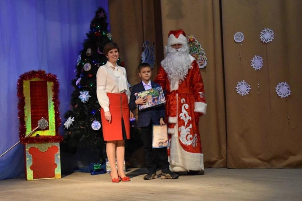 Жителей Западнодвинского района наградили за новогодние украшения