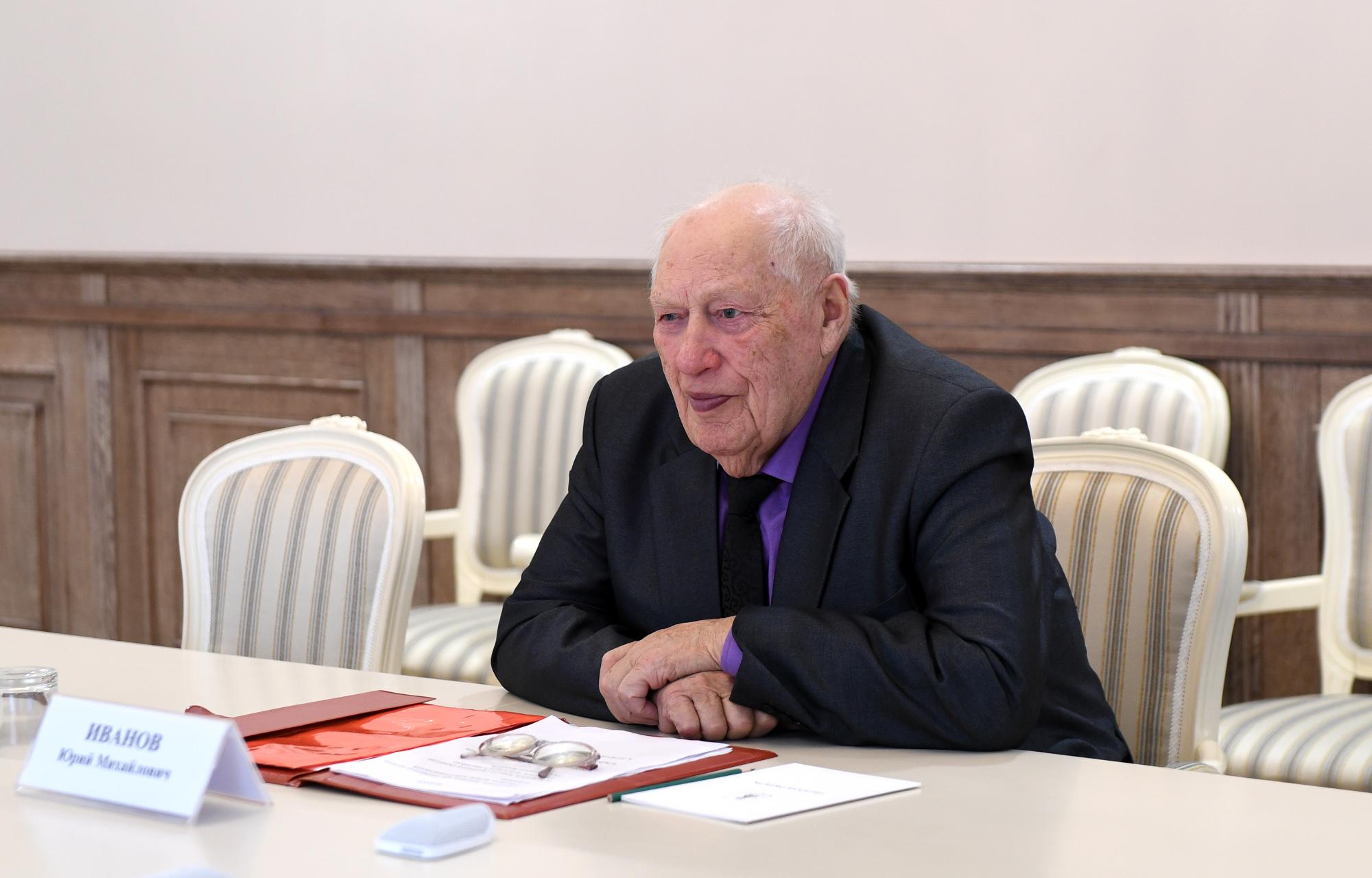 Игорь Руденя встретился с председателем колхоза «Красный Октябрь» Юрием Михайловичем Ивановым