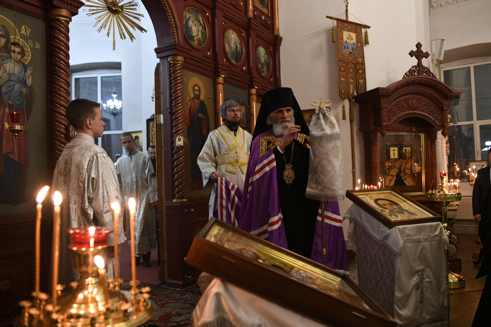 Игорь Руденя встретил Рождество вместе с прихожанами кафедрального собора в Ржеве