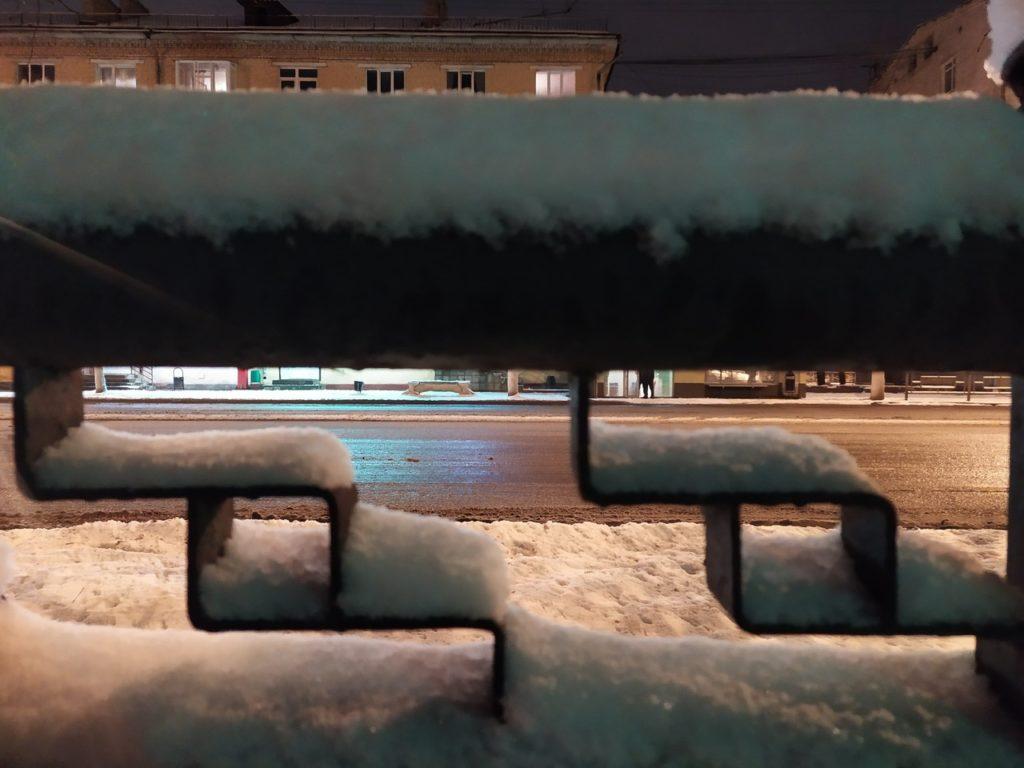 Жители Твери радуются долгожданному снегу