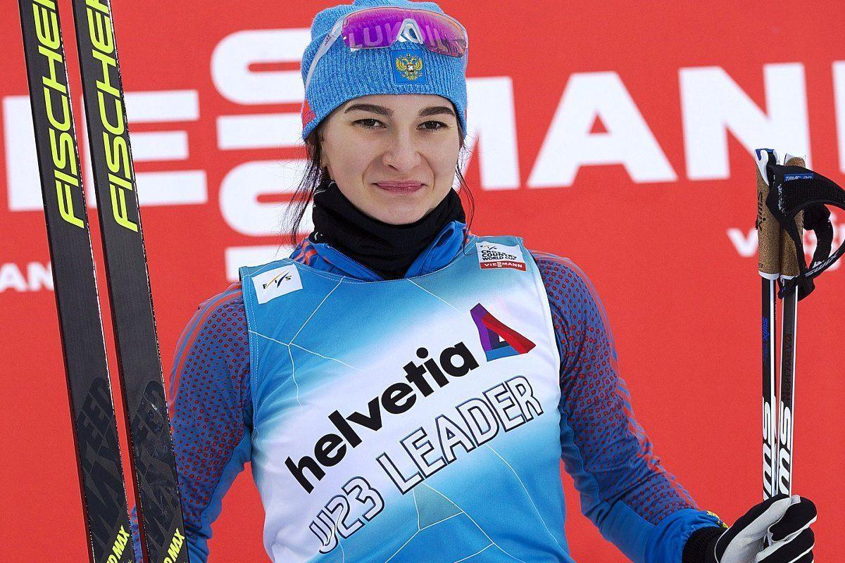 Лыжница из Твери Наталья Непряева завоевала серебро этапа Кубка мира по лыжным гонкам
