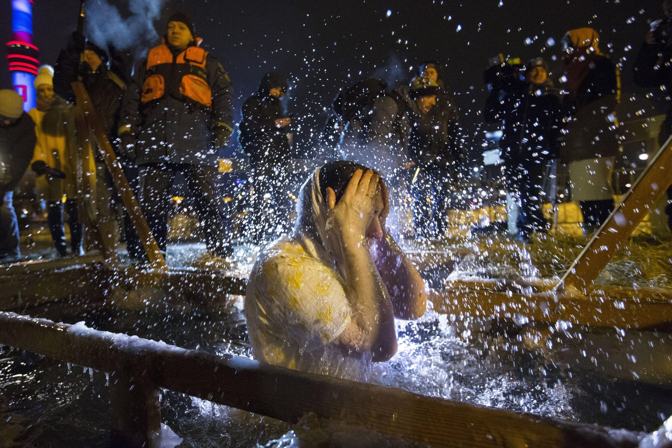Крещенская ночь в Завидово: из купели в тёплый хамам