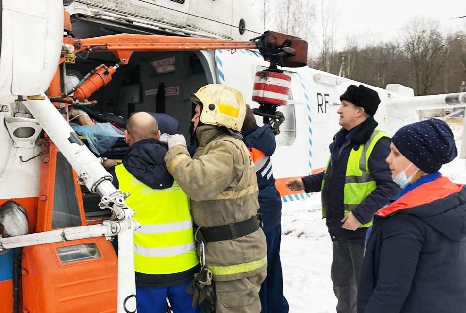 Тяжелобольную женщину экстренно доставили на вертолёте в Тверь