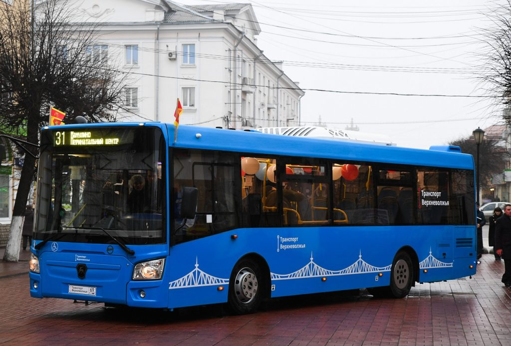 По маршруту «Мамулино - Сахарово» в Твери курсирует бесплатный новогодний автобус