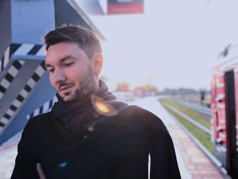 Евгений Окунев приглашает на рождественский концерт в Твери