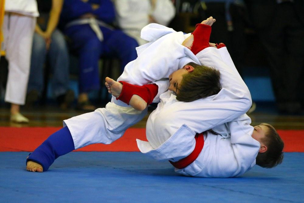 Тверские борцы в родных стенах завоевали 11 медалей всероссийской пробы