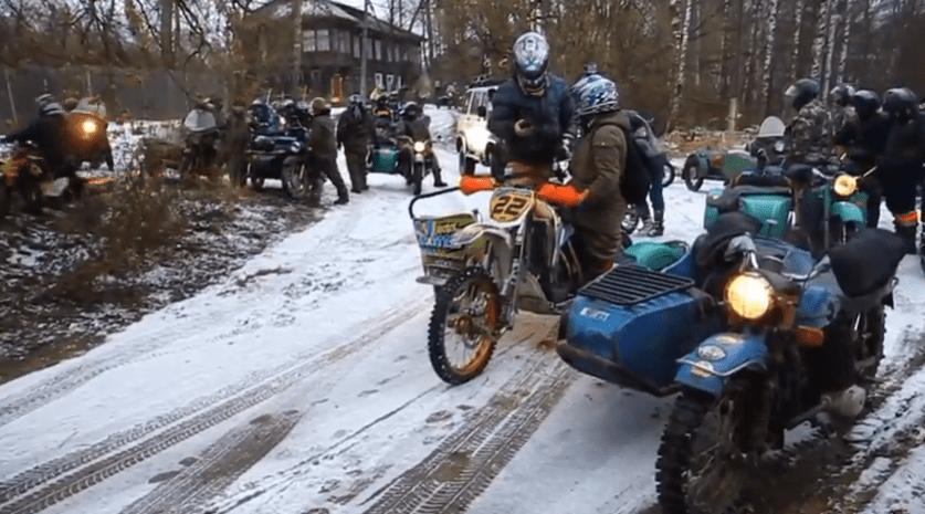 Тверские байкеры устроили рождественский мотопробег «Дедан 2020»