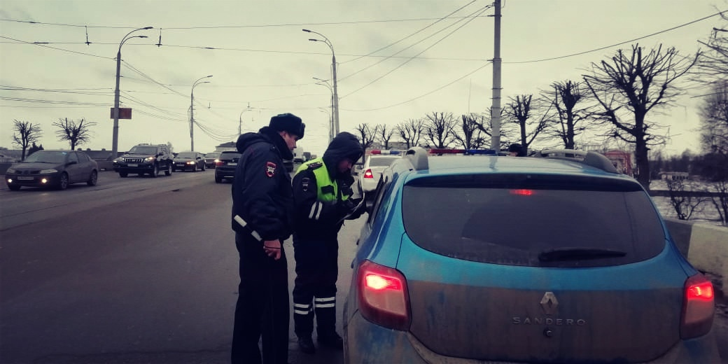 В Твери ловили водителей без детских кресел