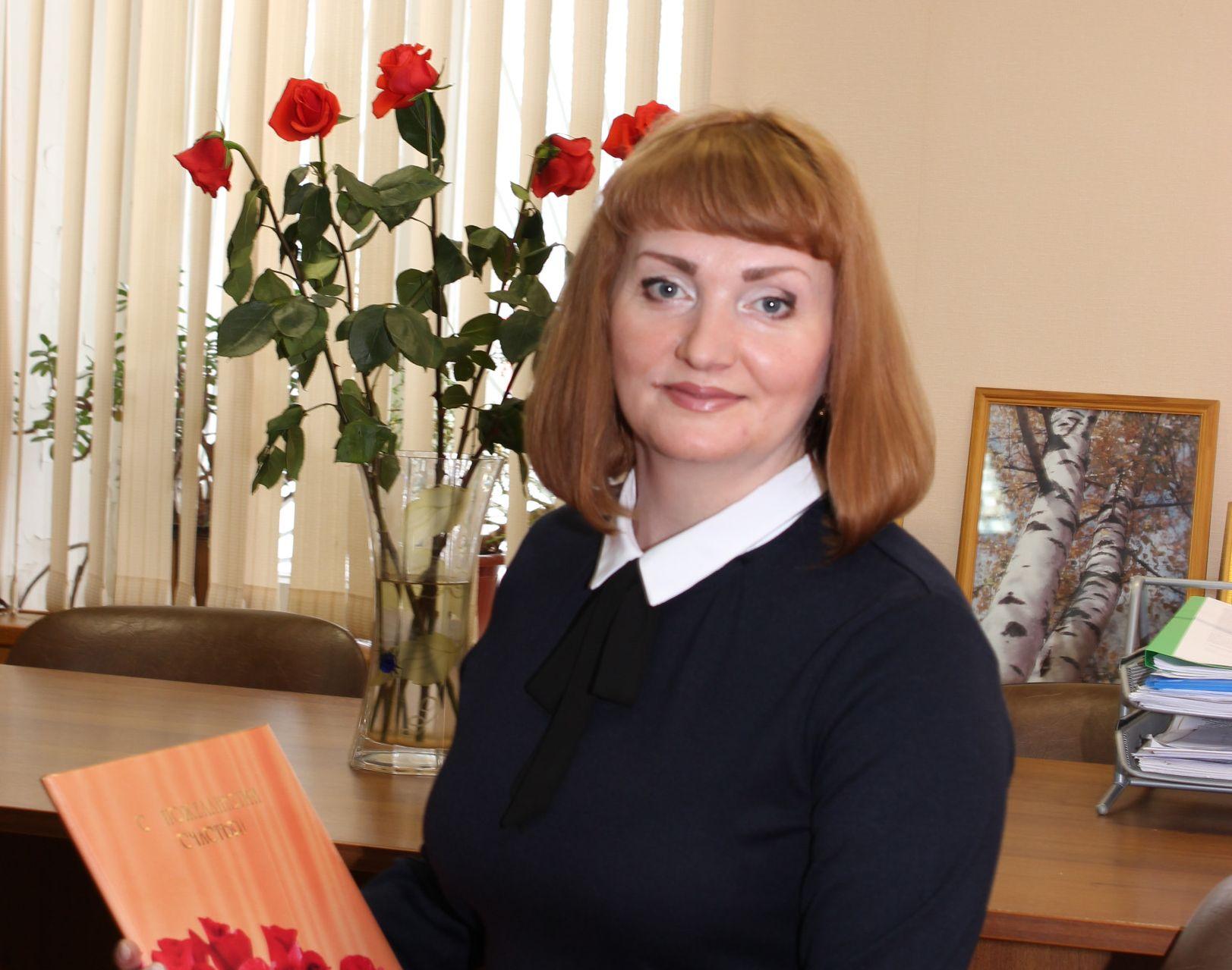 Светлана Житова: Губернатор держит слово – 80 семей Бежецкого района получили подарки для новорожденных