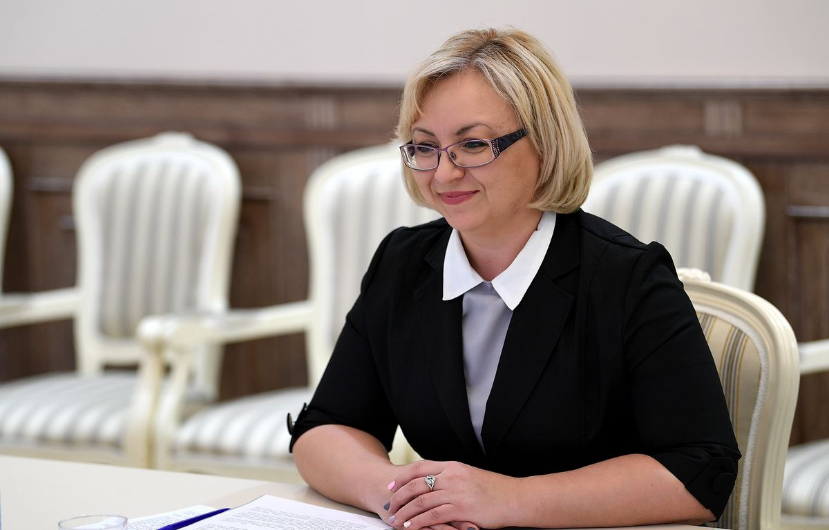 Лариса Мосолыгина: «Региональная власть последовательно развивает комплекс мер государственной поддержки материнства и детства»