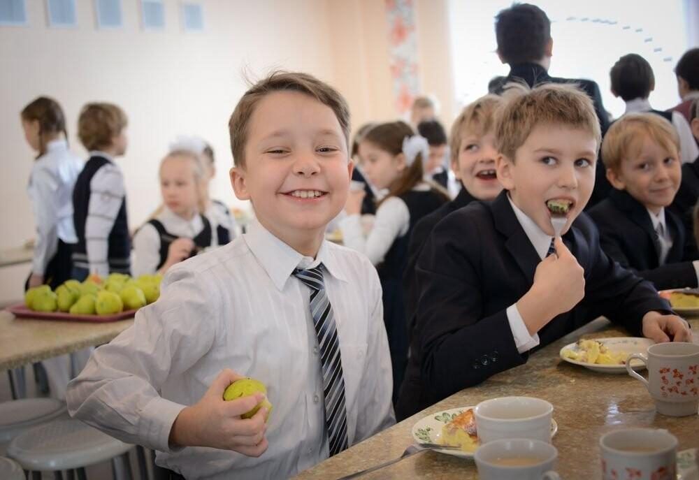 В Тверской области младшеклассников будут кормить бесплатно