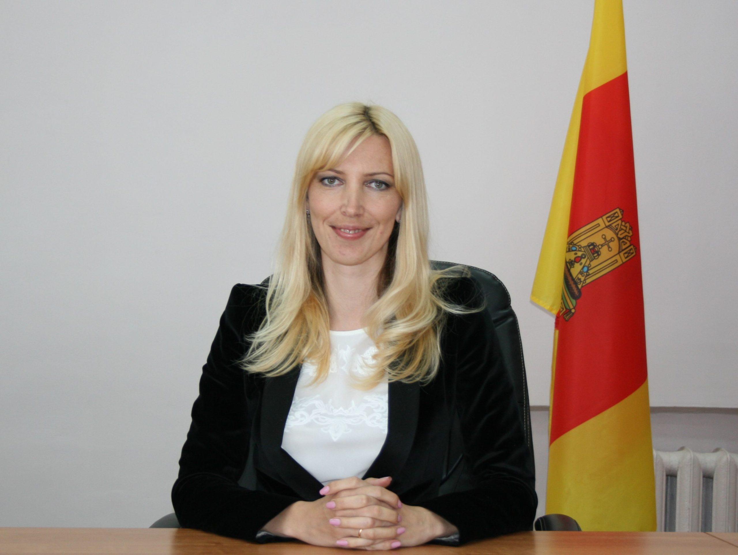 Татьяна Дубова: Многодетным иногда приходится помогать в оформлении документов