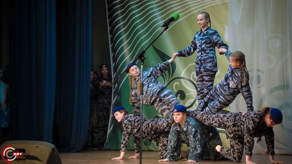 Вышневолочане дали концерт для участников марш-броска, посвящённого 75-летию Великой Победы