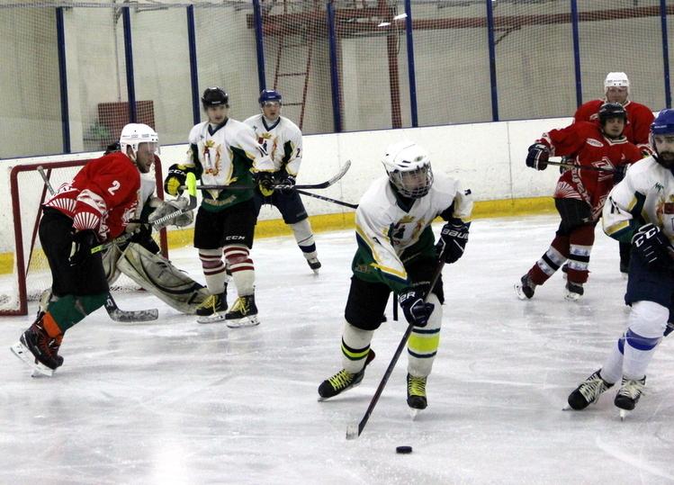 В  Тверской области отметили 20 лет со дне первого матча по хоккею
