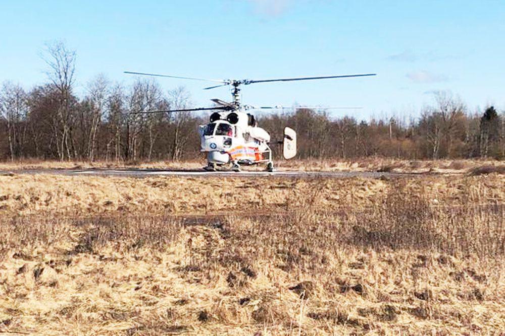 Вертолет санавиации экстренно доставил пациента из Западнодвинского района в Тверь