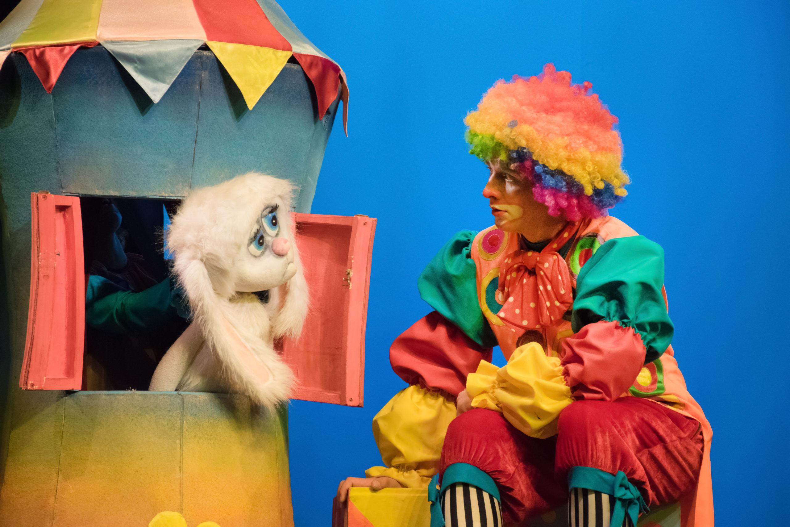 Жители Твери смогут купить билеты в театр кукол за полцены