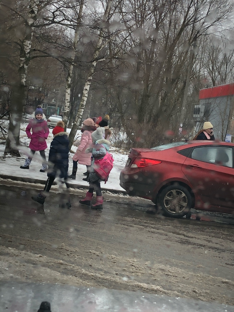 В Твери мужчина был шокирован количеством детей в одном автомобиле