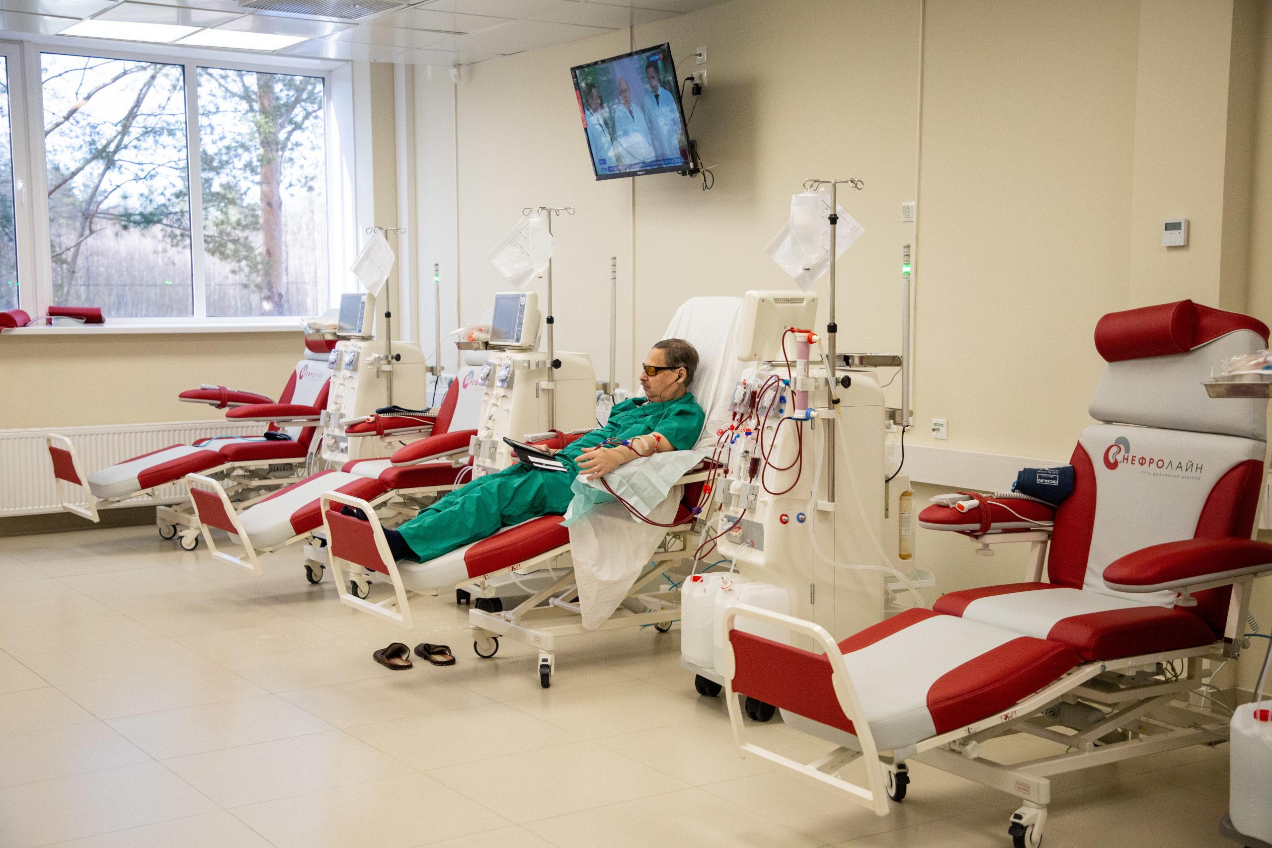 """В Твери открылся новый диализный центр с аппаратами """"искусственная почка"""""""