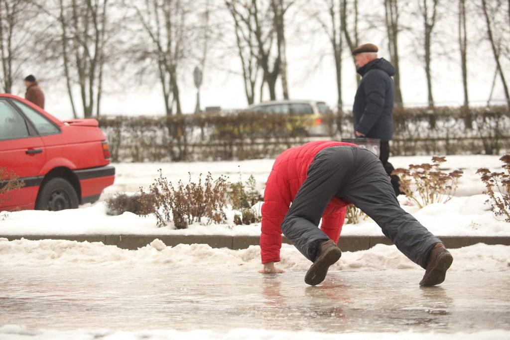 12 февраля в Твери ожидается гололедица и сильный ветер
