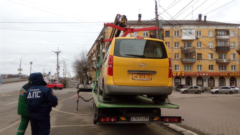 Новые маршрутки-шаттлы убирают с дорог в Твери