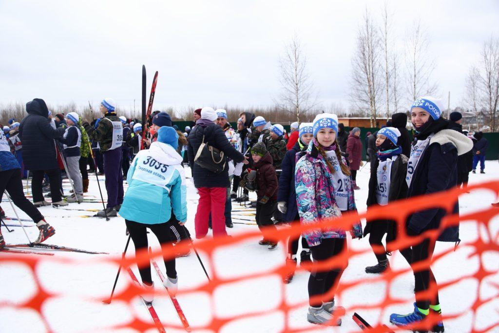 На старт Лыжни России в Тверской области вышли взрослые и дети