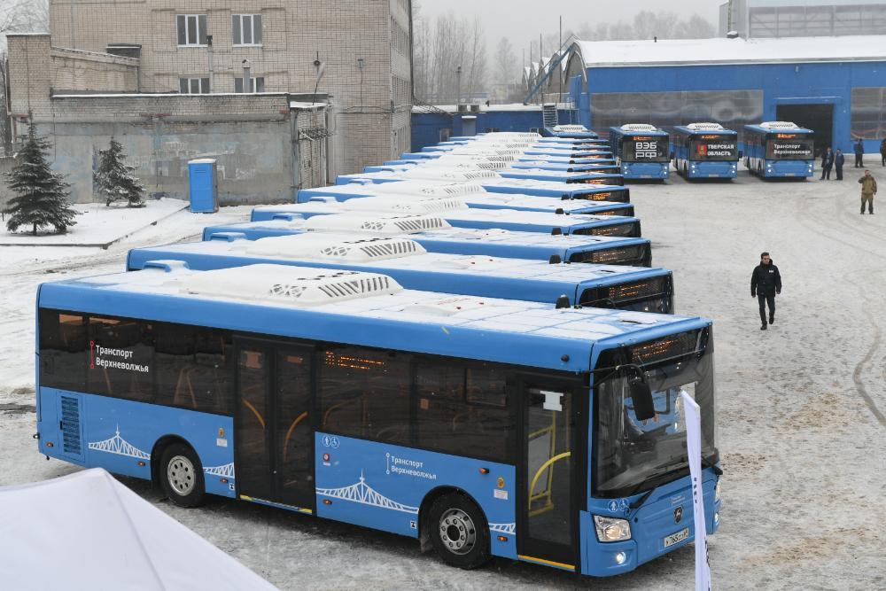 Итоги недели : встреча Игоря Рудени с юными журналистами, новая транспортная система, платные парковки