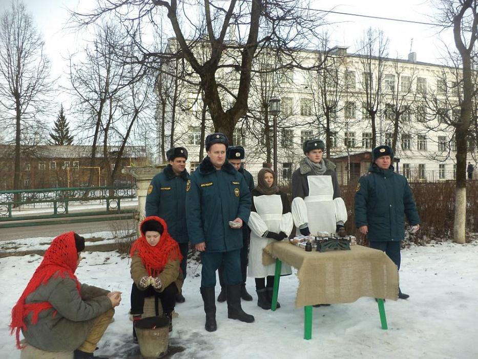 """Бологовские пожарные приняли участие в акции """"Блокадный хлеб"""""""