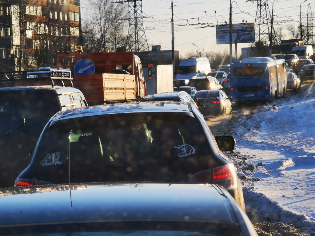 Авария на Волоколамском проспекте спровоцировала автомобильную пробку в Твери
