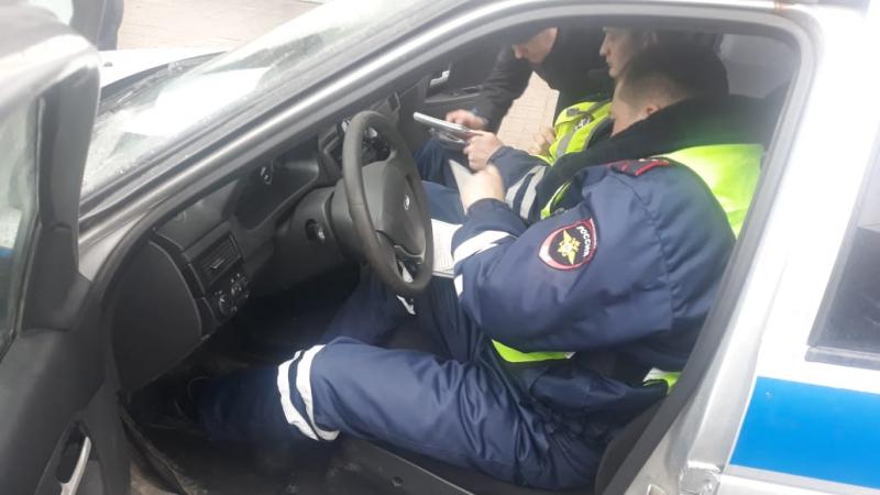 Сотрудники ГИБДД позаботились о детях тверских водителей