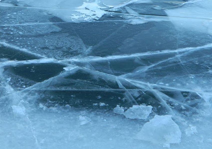 В Тверской области подросток спас провалившегося под лед рыбака