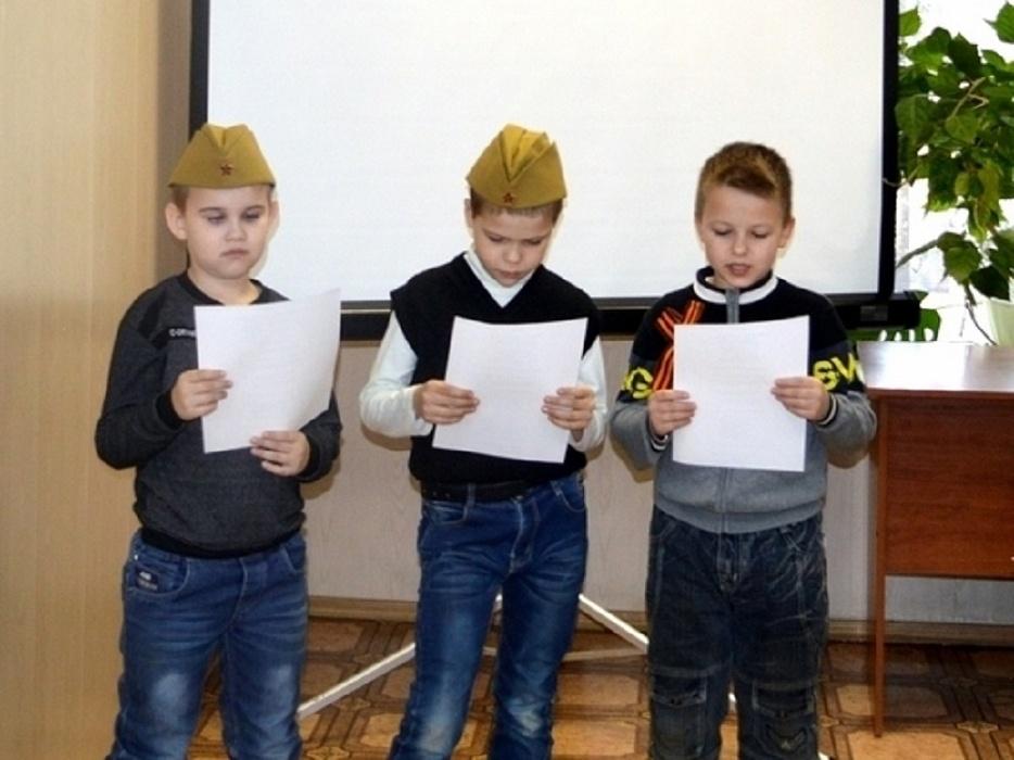 Дети из Тверской области оказывали первую помощь «раненому на войне»
