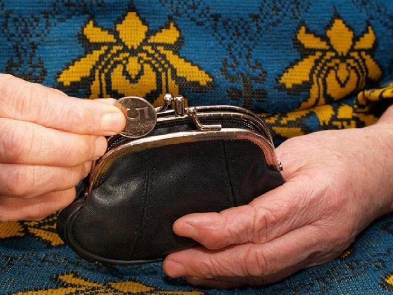 В Тверской области у пожилой женщины украли кошелек