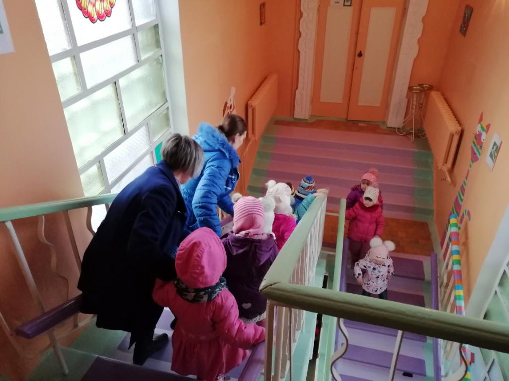 Школу и детский садик экстренно эвакуировали в Твери